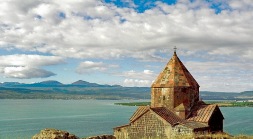 Armenia-Foto-di-Enrico-Radrizzani-per-La-Compagnia-del-Relax.-810x446_c